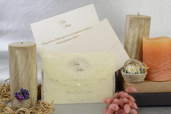 Şeffaf zarflı krem davetiye