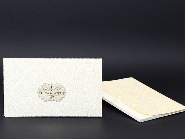 Kadife Krem davetiye modeli